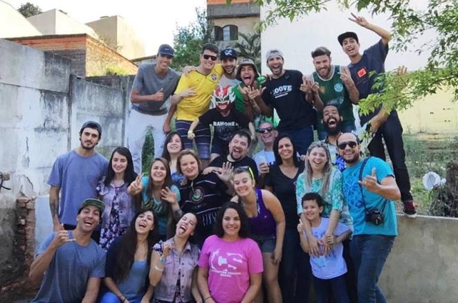 Momento de comunhão e de muita risada na Skate House Brasil.