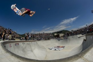 ale-sorgente-backside-air-floripa-helge-tscharn